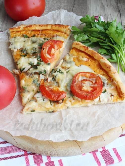 Фото пиццы с курицей и грибами