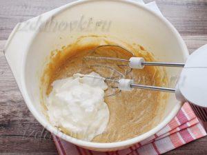 Сметана в тесте для кекса