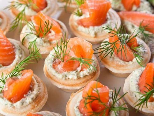 Тарталетки с лососем